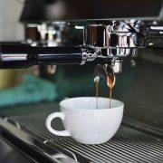 cafenelele se redeschid in capitala